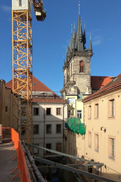 Na Staroměstkém náměstí probíhá výstavba nejočekávanějšího pražského hotelu podle našeho návrhu a projektu