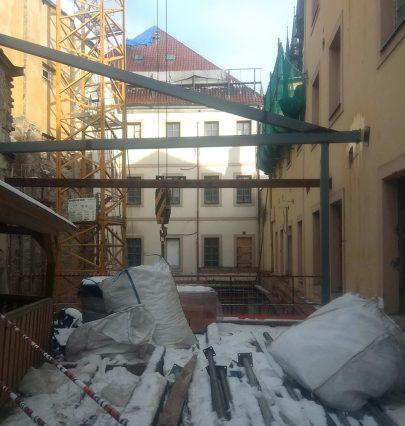 Výstavba nejočekávanejšího pražského hotelu podle našeho návrhu a projektu pokračuje podle plánu
