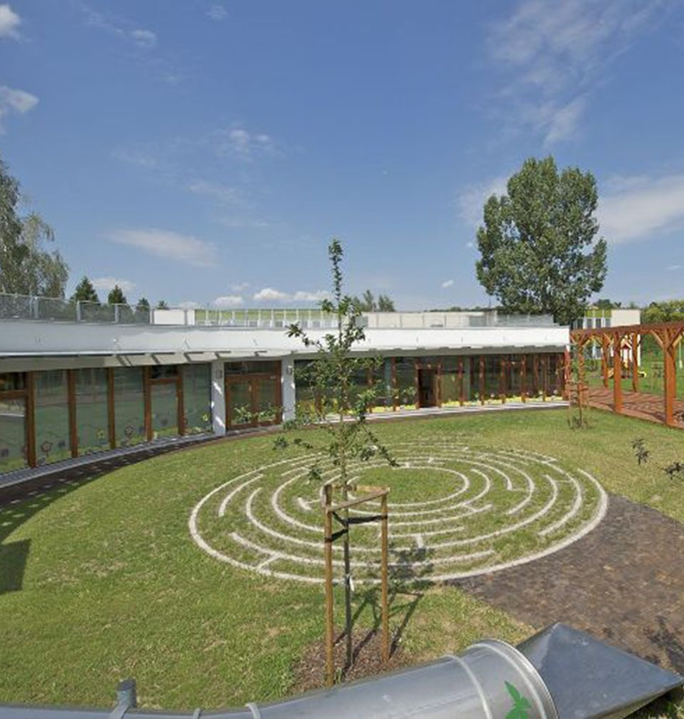 Kindergarten in Lysá nad Labem on Stavbaweb.cz