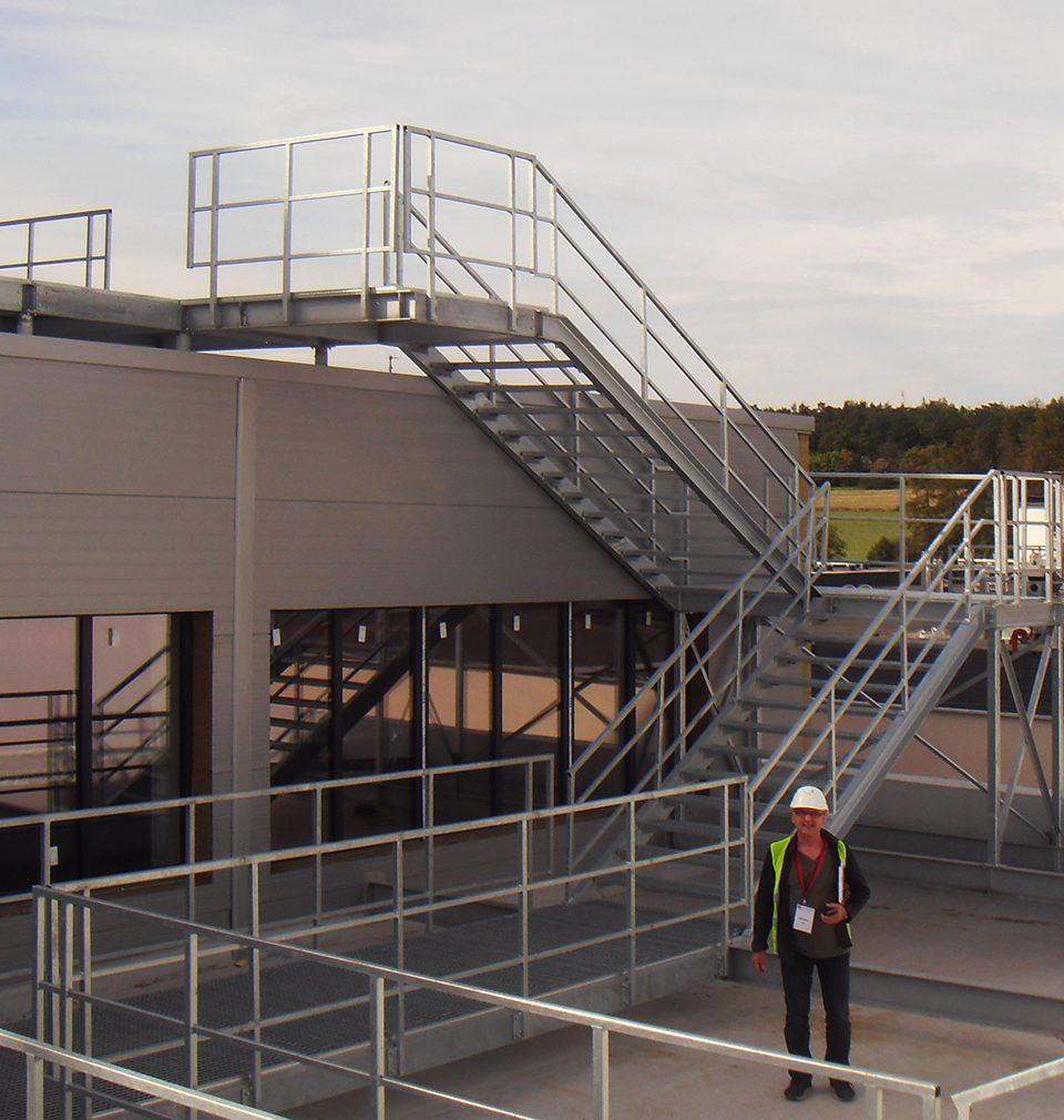 Výstavba výrobní linky s nejmodernějšími technologiemi podle našeho návrhu a projektu v rámci výrobního areálu společnosti La Lorraine v Kladně pokračuje podle plánu