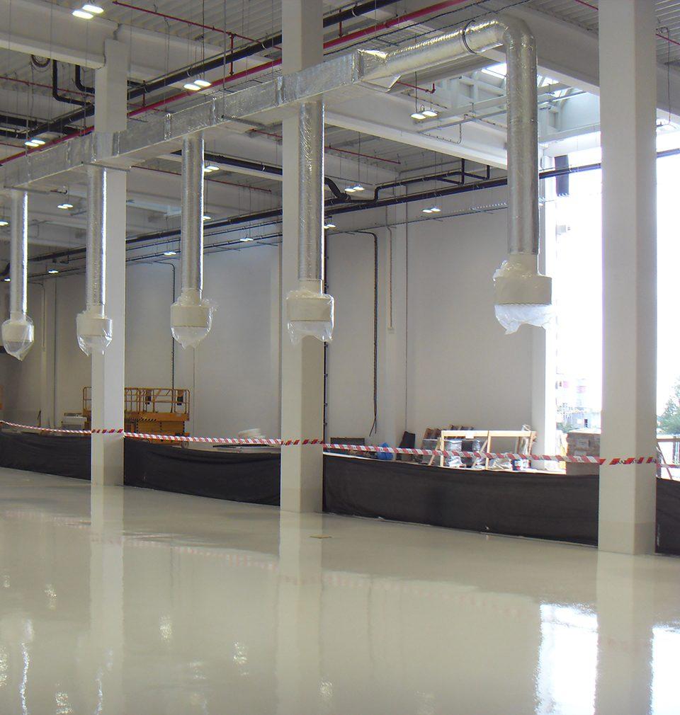 Fotoreport: právě probíhá realizace našeho návrhu; technologicky vyspělé výrobní linky společnosti La Lorraine v Kladně