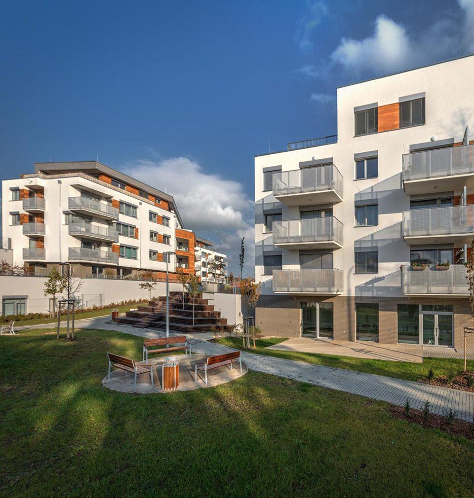 Dvě realizace podle našich návrhů a projektů jsou součástí jedinečné inventury kvalitní české architektury a stavitelství posledního čtvrtstoletí