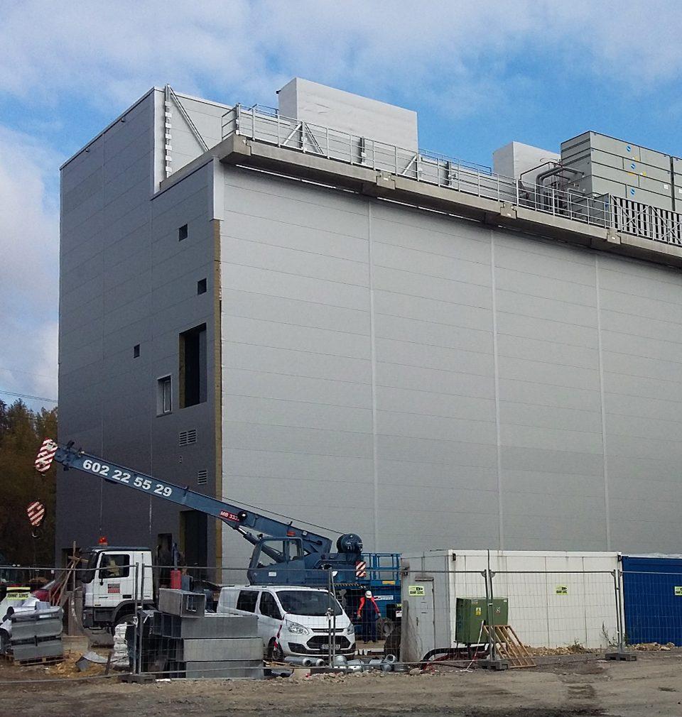 Výstavba kladenského high-tech areálu společnosti La Lorraine podle našeho návrhu a projektu pokračuje podle plánu