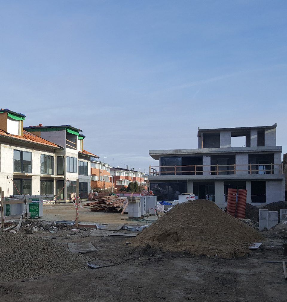 Rough construction of twenty generous apartments with unique atmosphere in the neighborhood of the Jinonice Court cultural monument according to our design and project is finished