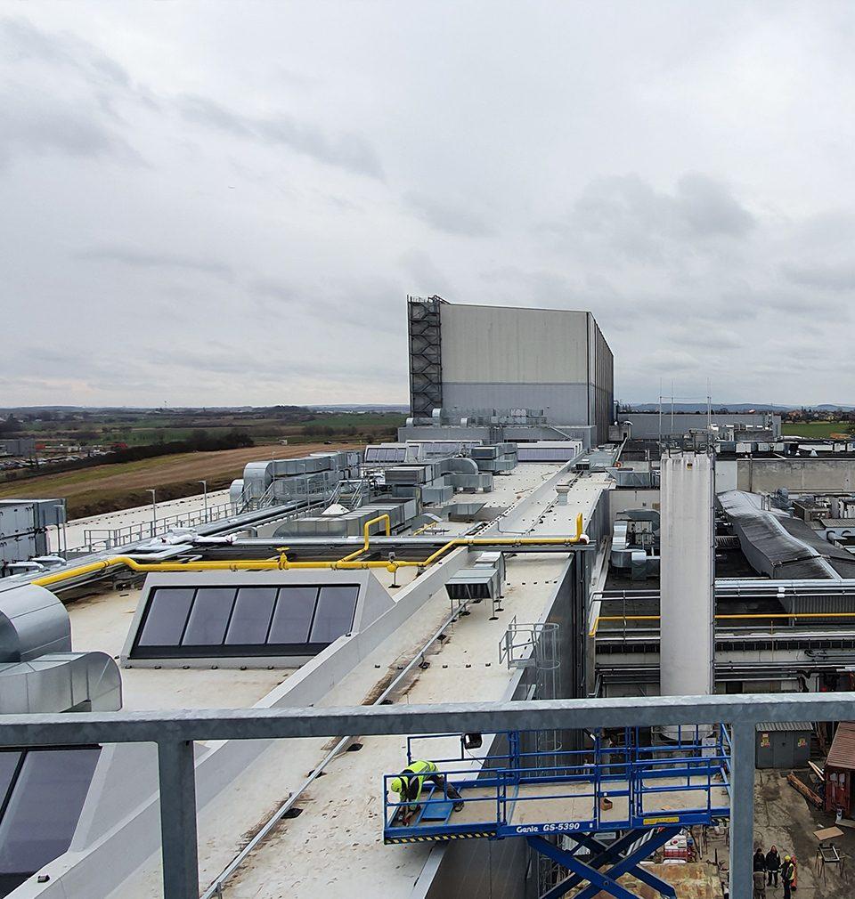 První etapa rozšíření výrobního a distribučního areálu společnosti La Lorraine v Kladně podle našeho návrhu a projektu je hotová