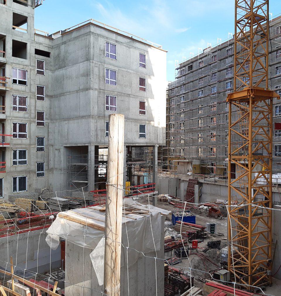 V sousedství žižkovského Nákladového nádraží vzniká v několika etapách a podle našeho masterplanu nová čtvrť Na Vackově