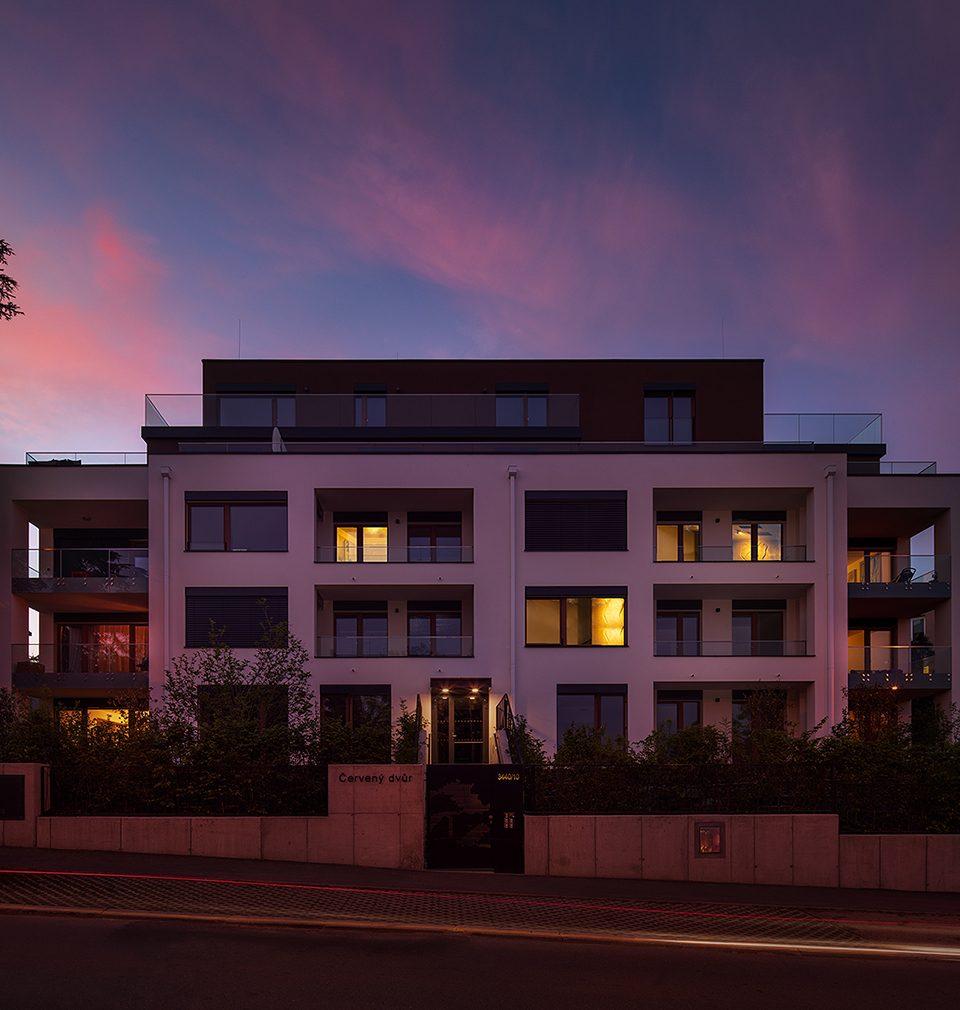Rezidence Červený dvůr podle našeho návrhu a projektu usiluje o titul Rezidenční projekt roku 2020