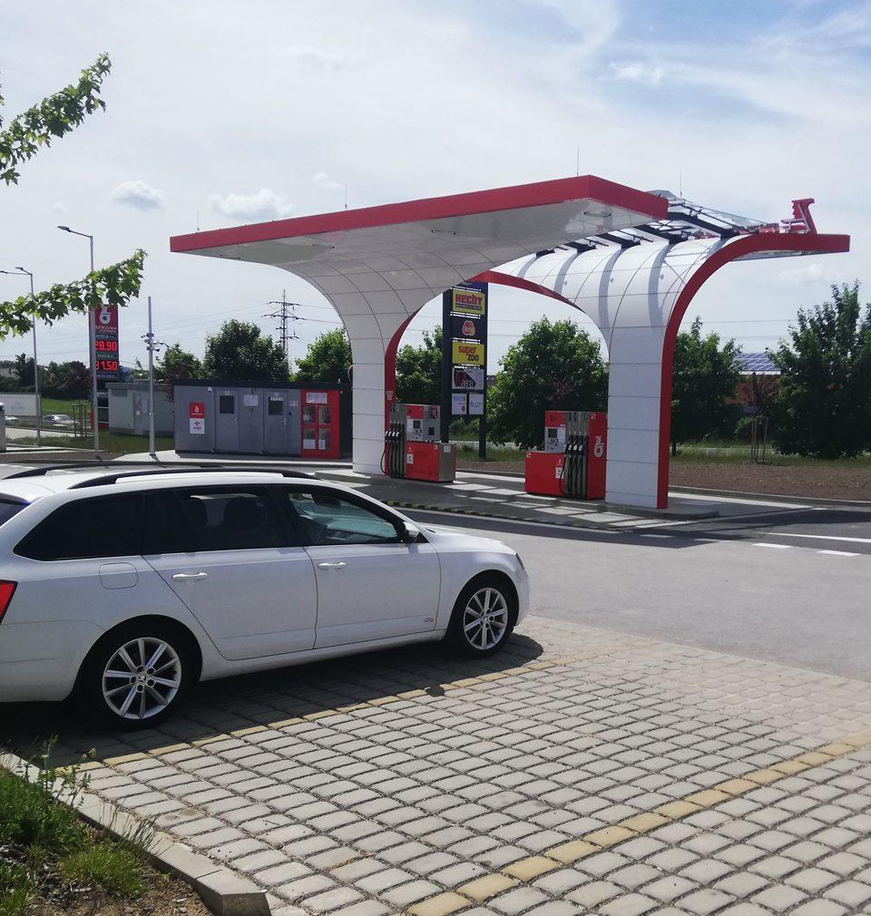Navrhli jsme originální a funkční design přístřešků automatických čerpacích stanic pohonných hmot